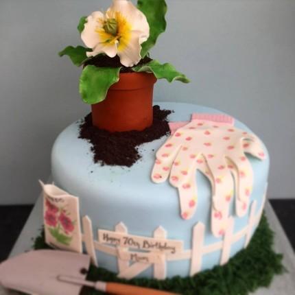 Ladies Gardening Cake