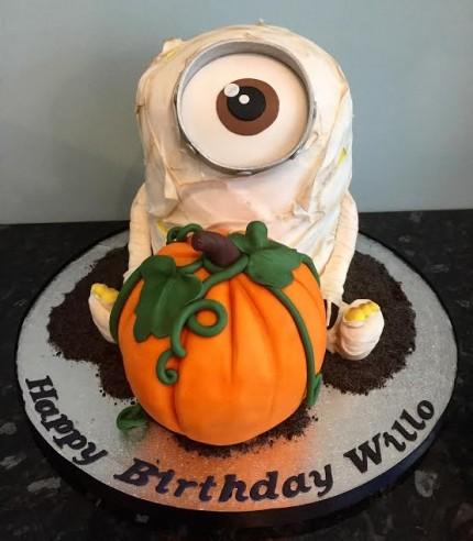 3D Halloween Minion Cake