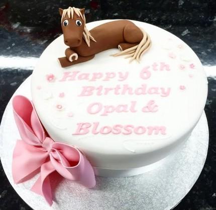 Model Horse Birthday Cake