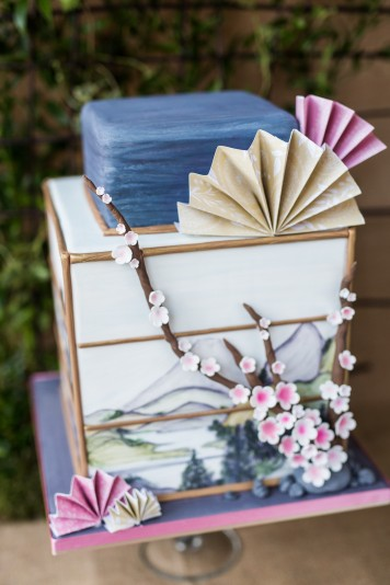 Japanese Lantern Wedding Cake