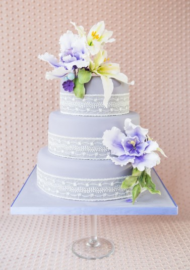 Lilac and Lillies Wedding Cake